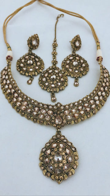 Baan Gold Necklace, Tikka & Earrings Set