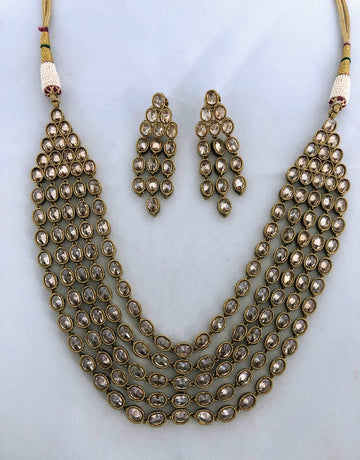 Laaj Earrings & Necklace Set