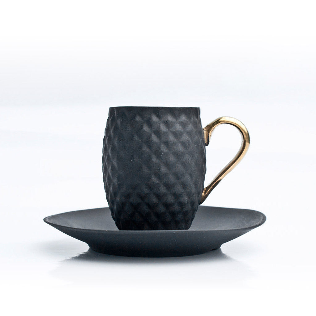 PINEAPPLE cup black with saucer - Decoriia