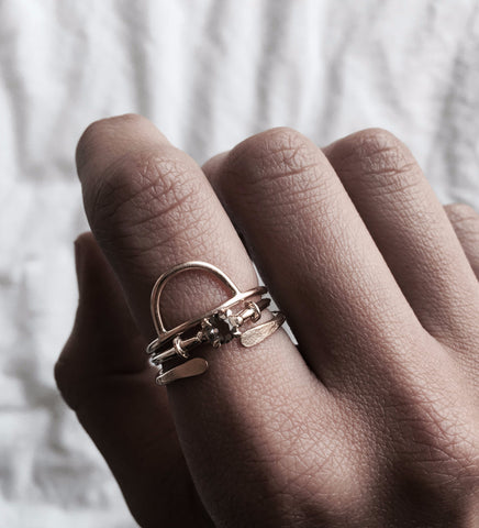 Curve Ring / Gold