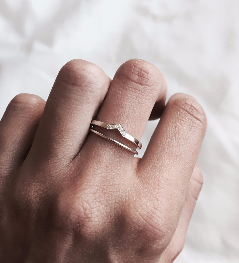 Another Feather Dart Ring / Gold – The Armoury