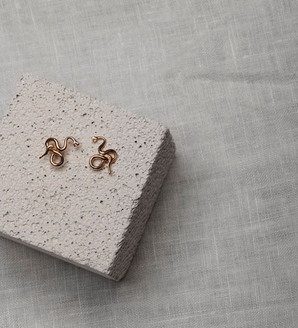 Medusa Stud Earrings / Gold
