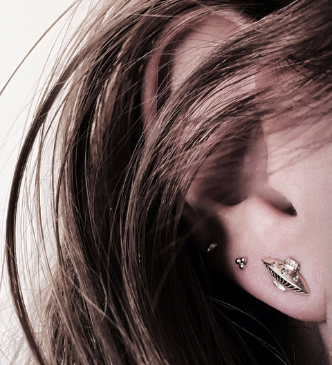 Tender UFO Earring / Gold