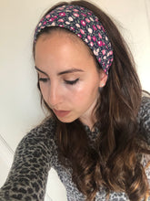 Load image into Gallery viewer, Feminine Floral Headband
