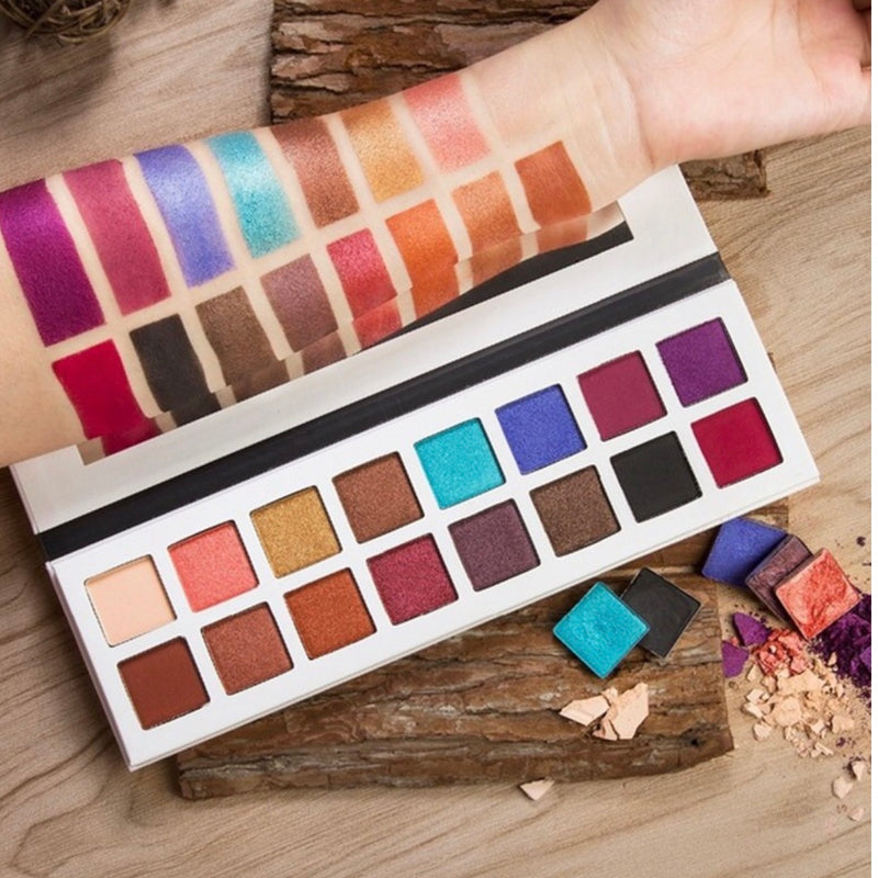 Beauty Glamour Box (BGB) new Summerlove eyeshadow palette!