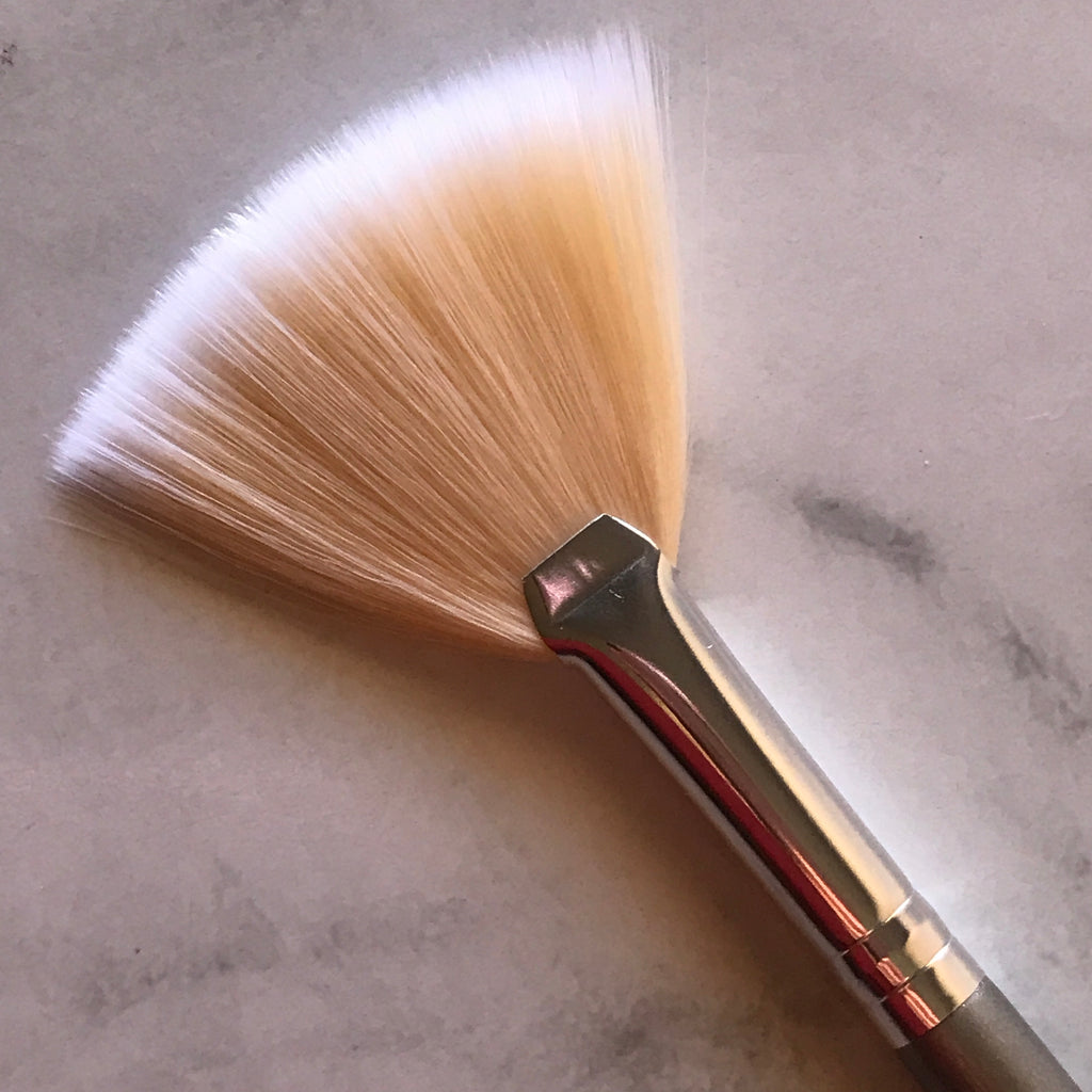 LE2 FAN BRUSH
