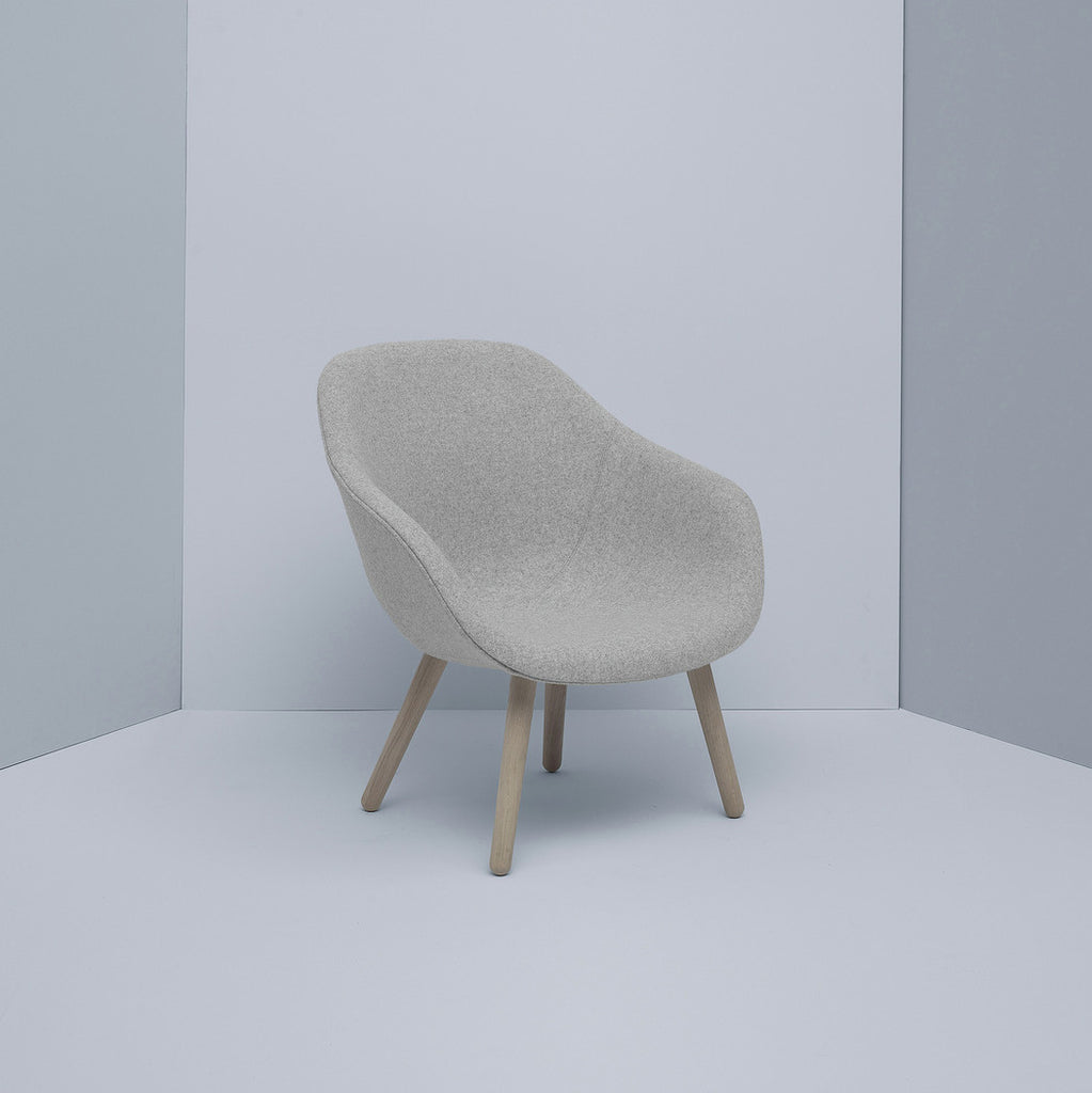 About A Lounge Chair Low Grey Hallingdal
