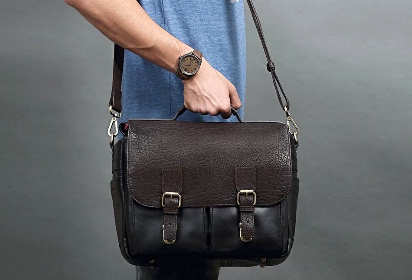 Finally, a stylish camera bag. Review by Latte Wanderer's Alex Feal.