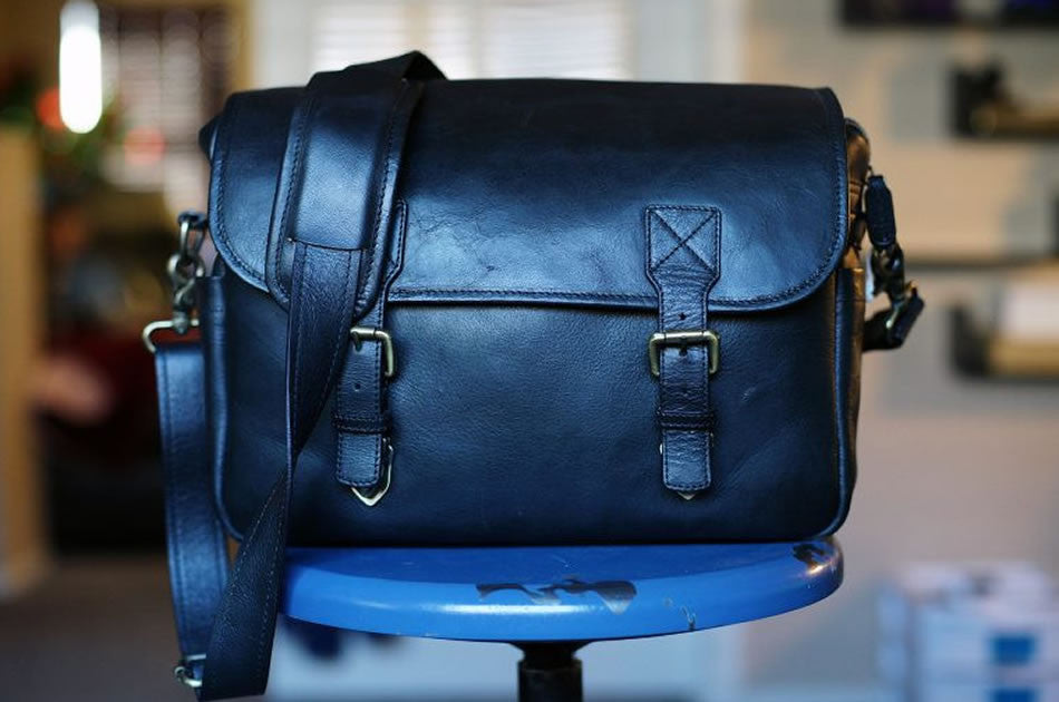 Do you know Steve Huff's latest favourite camera bag?