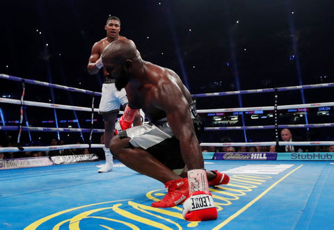 Takam down in 4th round against AJ