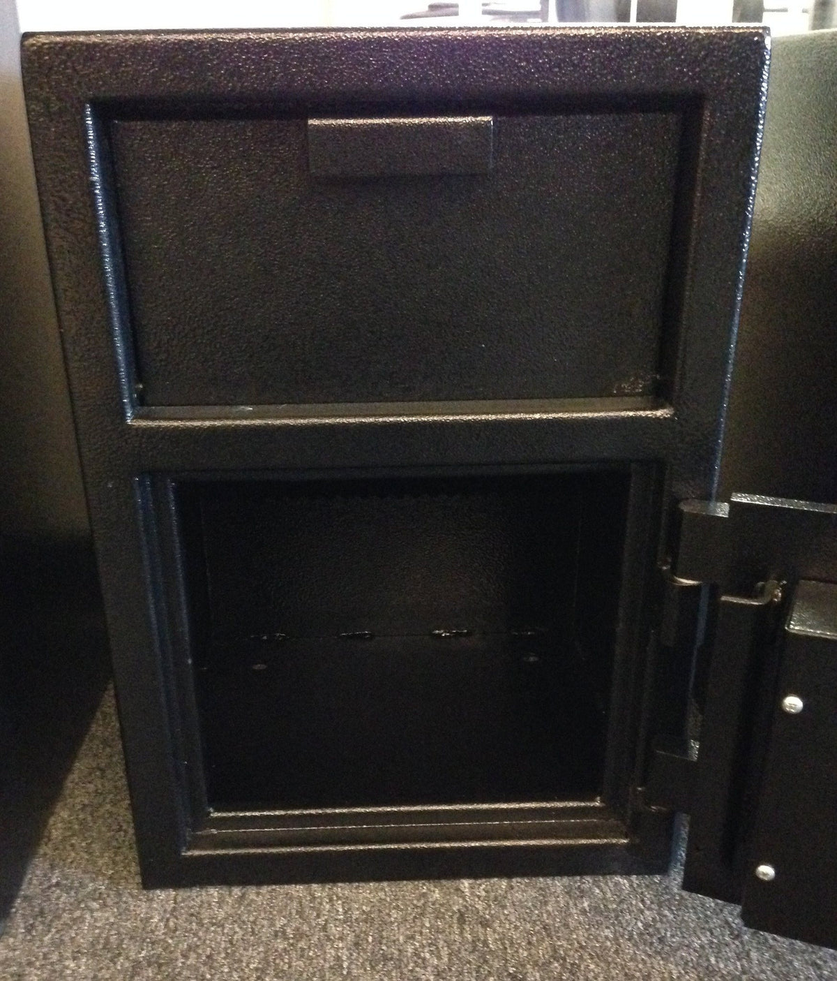 SafeandVaultStore FLH201414K Depository Safe With Key Lock