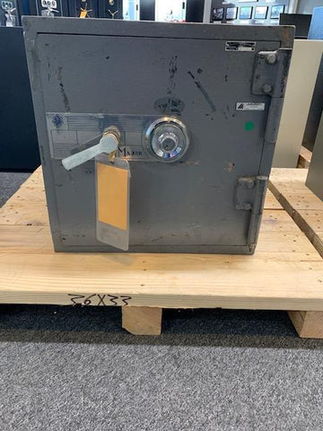 Used Safes And Outlet Store - USED Major D2105 C-Rate Burglar Safe