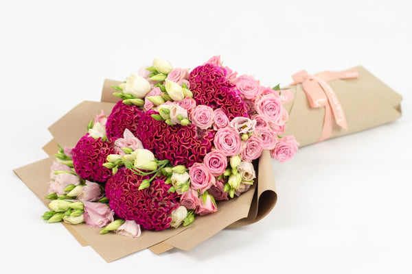 Pinky Hand Bouquet l