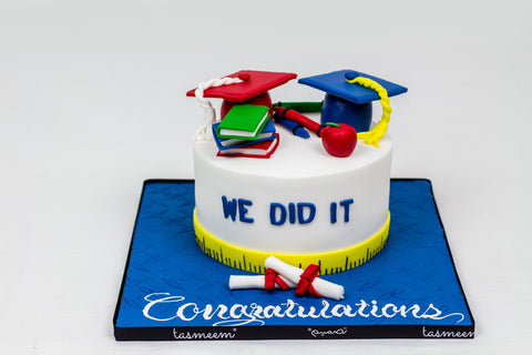 Graduation Cake with Cap