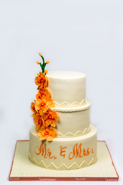 Three Tiered Wedding Cake - كيكة من ٣ طوابق