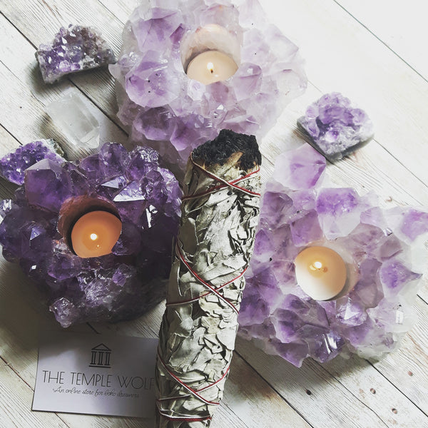 AMETHYST LOTUS LIGHT HOLDER