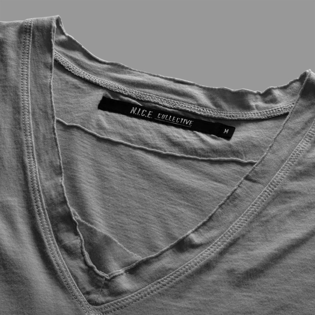 RAW V-NECK GREY