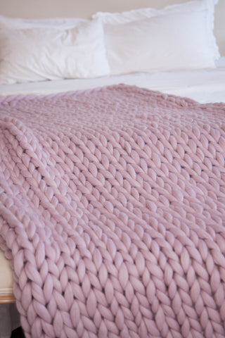 Natahomeandfashion chunky blanket