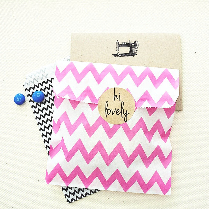 Treat Bags - Medium Hot Pink Chevron Pattern
