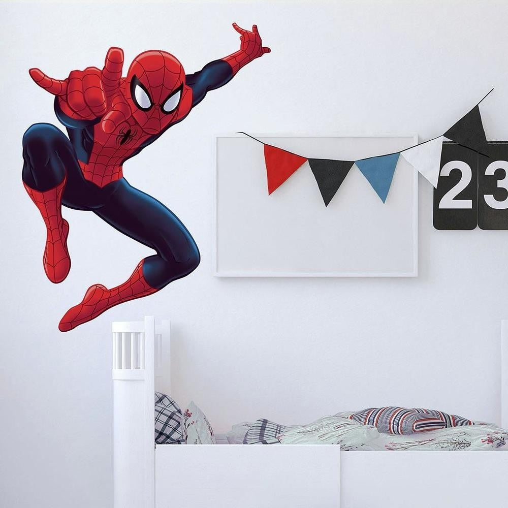 Ultimate Spider-Man Giant Wall Decal - 7ProductGroup