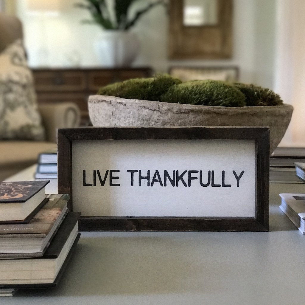 """live thankfully"" word board"