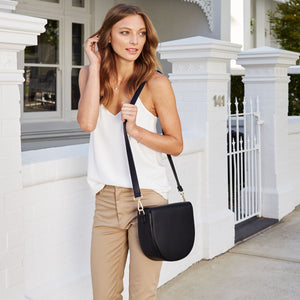 Black leather bag fashtech inbuilt phone charger Lorna & Bel