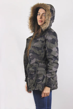 Camouflage coat with cargo pockets and fur hood. Image 3