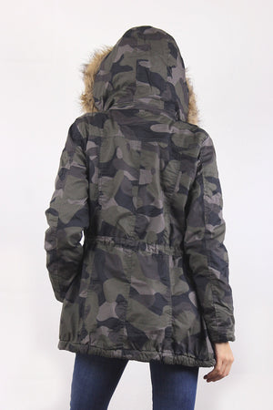 Camouflage coat with cargo pockets and fur hood. Image 6