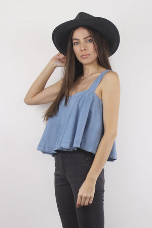 Chambray tank top with built in bra. Image 3