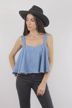 Chambray tank top with built in bra. Image 2