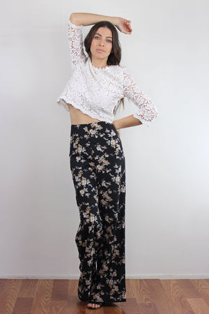 Cropped lace blouse, in White. Image 4
