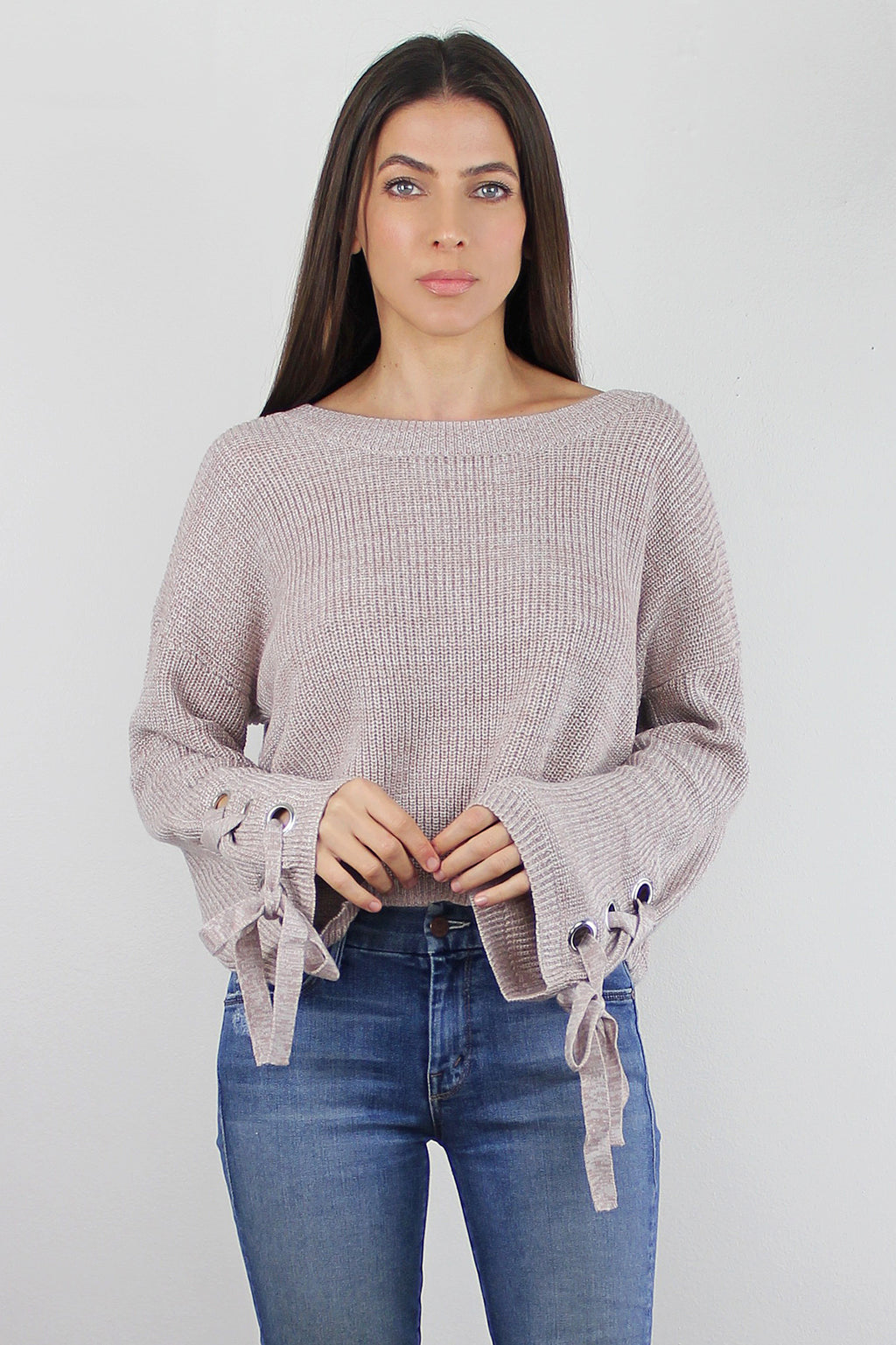 Beige cropped sweater with lace up sleeves. Image 5
