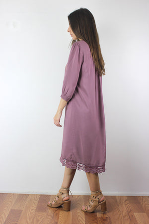 Floral embroidered midi dress in Mauve. Image 3