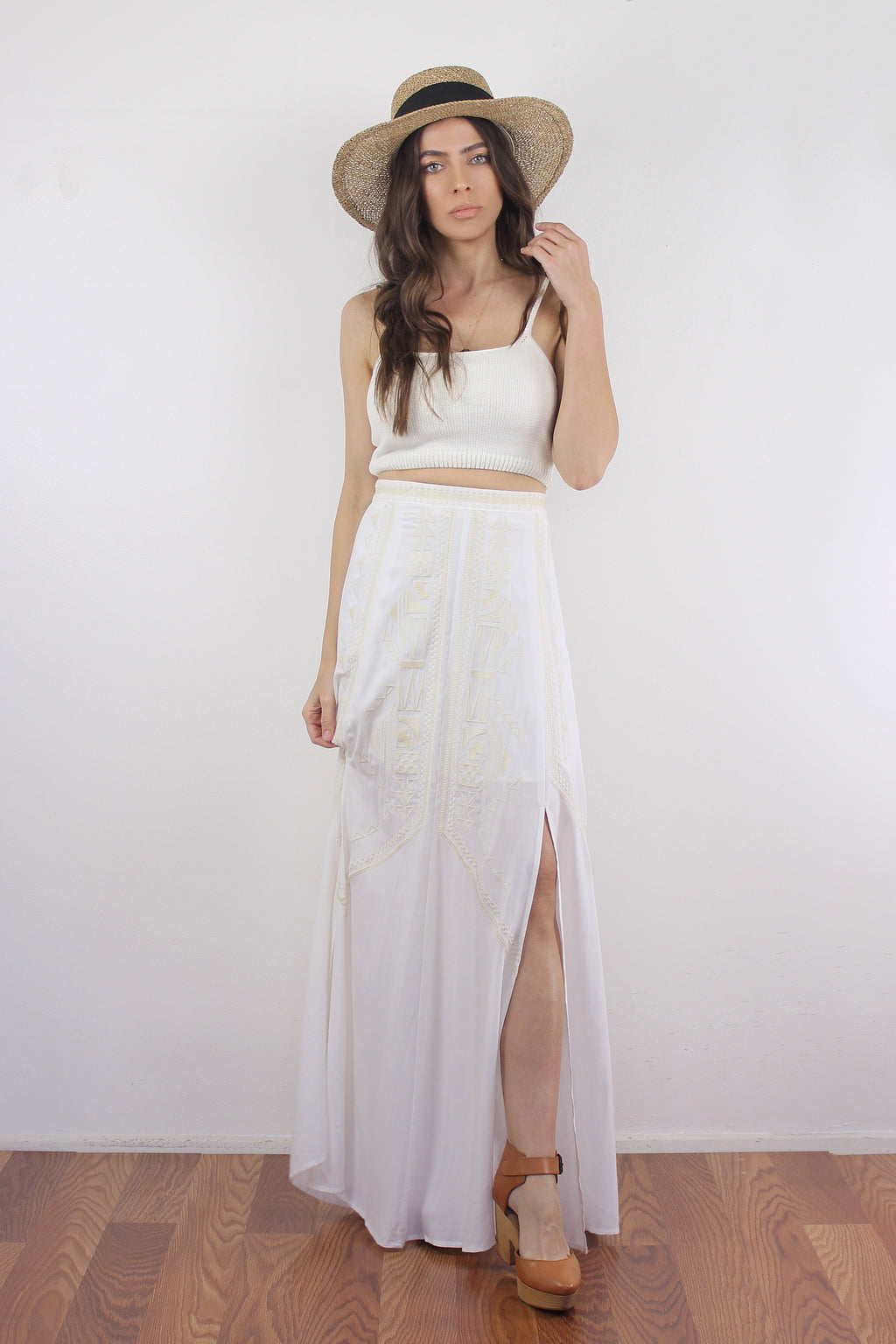Embroidered maxi skirt, in white.