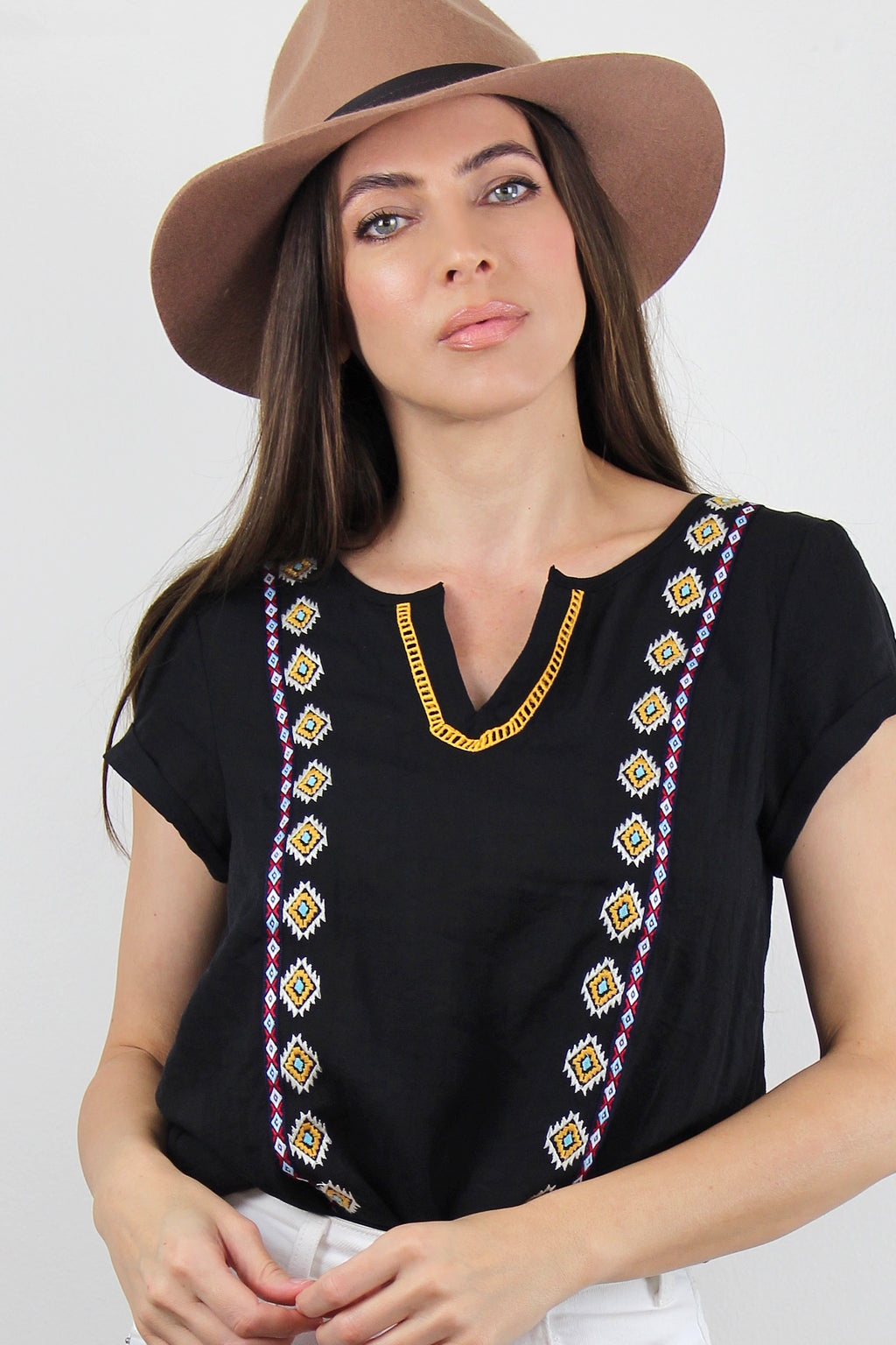 Embroidered short sleeve blouse, in Black.
