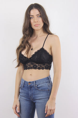 Lace bralette crop in Black. 2