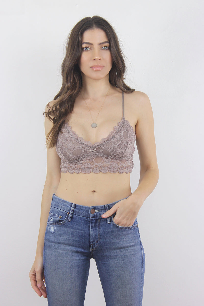 Lace bralette crop in Black. 3