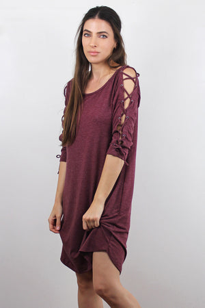 Lace up sleeve dress with pockets, in Burgundy. Image 4