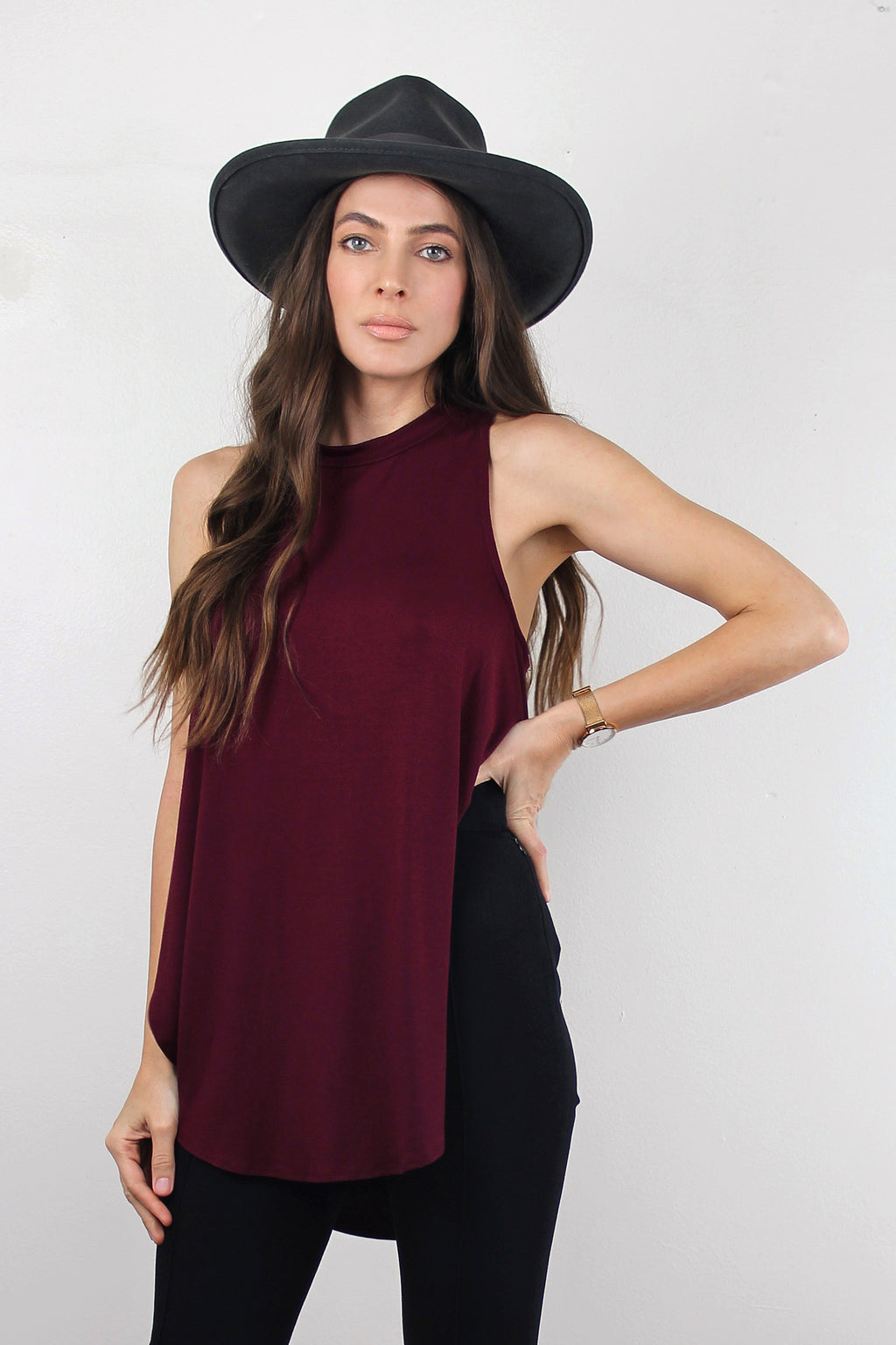 Tank top with high side slits, in Burgundy.  Image 5