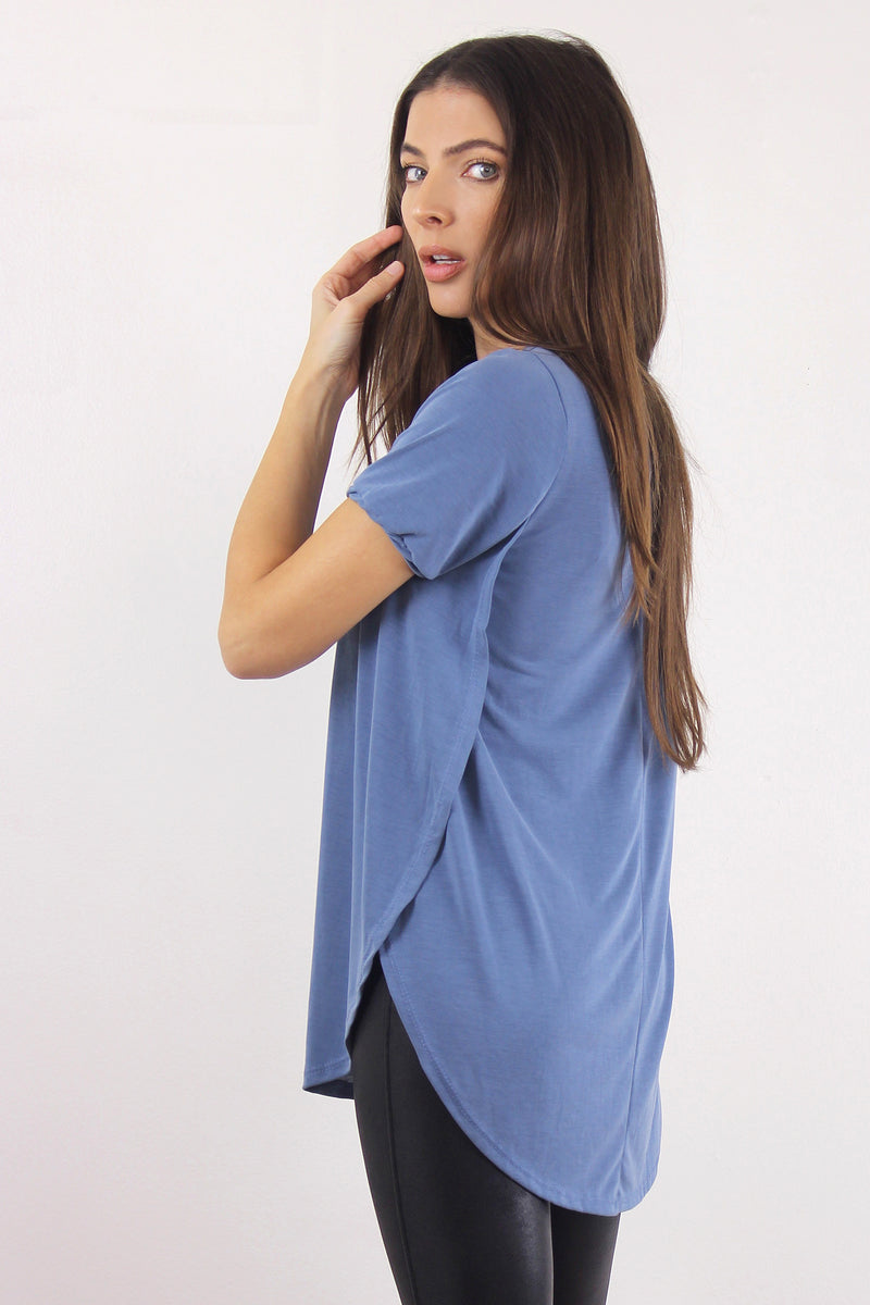 Tee shirt with overlapping slit sides, in Blue. Image 4