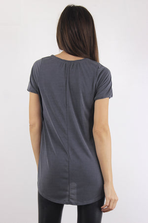 Tee shirt with overlapping slit sides, in Charcoal. Image 3