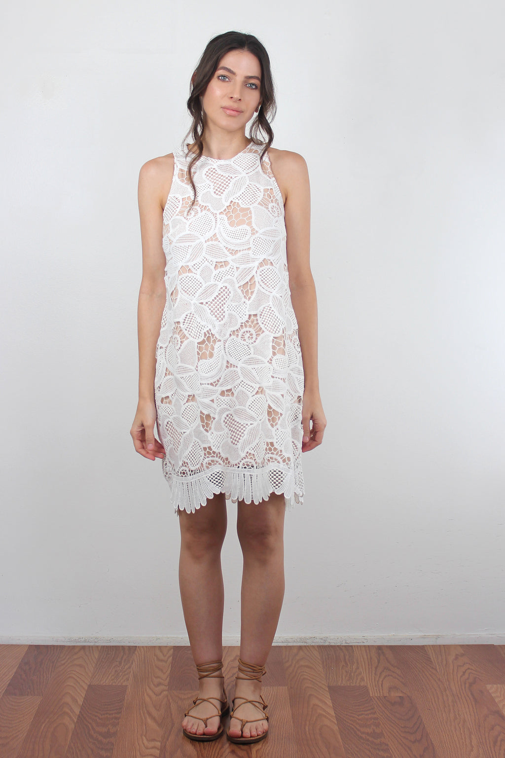 White lace dress with scalloped hem. Image 5