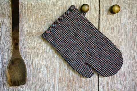 Black Micro-Checked Textured Oven Mitt