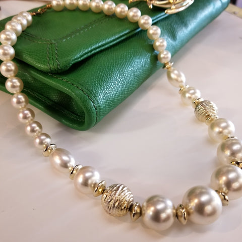 Vintage 80s Faux Pearl Necklace