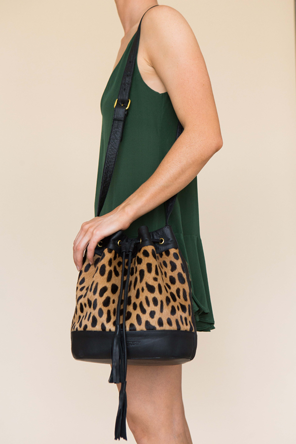 ELIN BUCKET BAG - BLACK CHEETAH