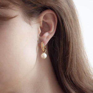 Najo - Freshwater Pearl Huggie Gold earrings