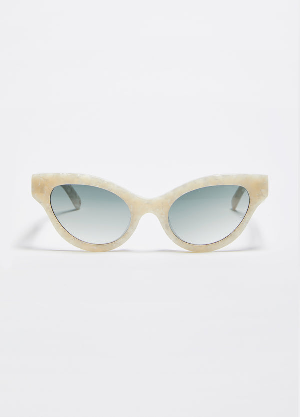 Betty Sunglasses – Lunar Pearl