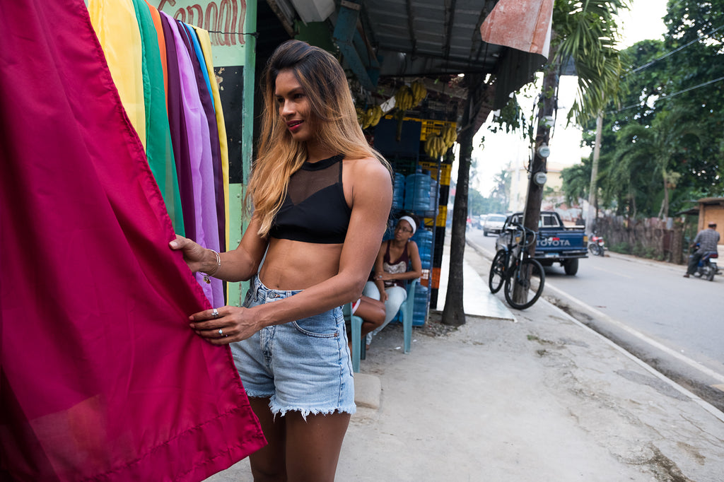 Live like a local in cabarete - shopping in Callejon de la loma