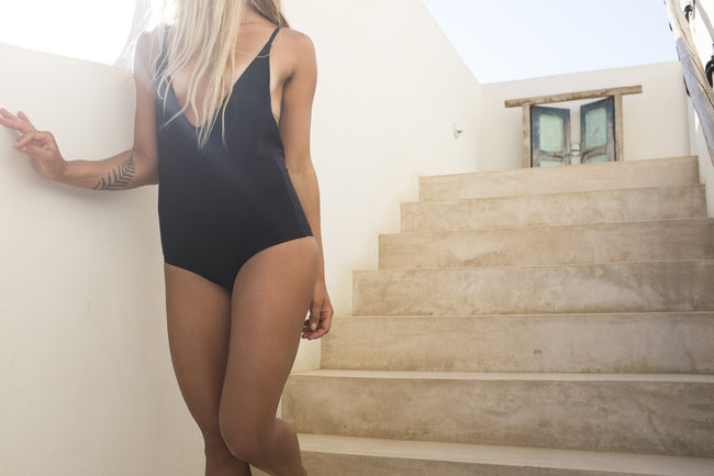 Deep V One Piece - Black