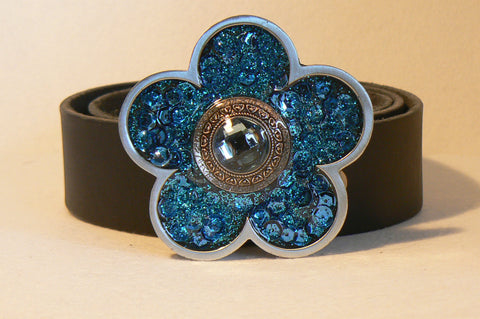 blue jewelled daisy